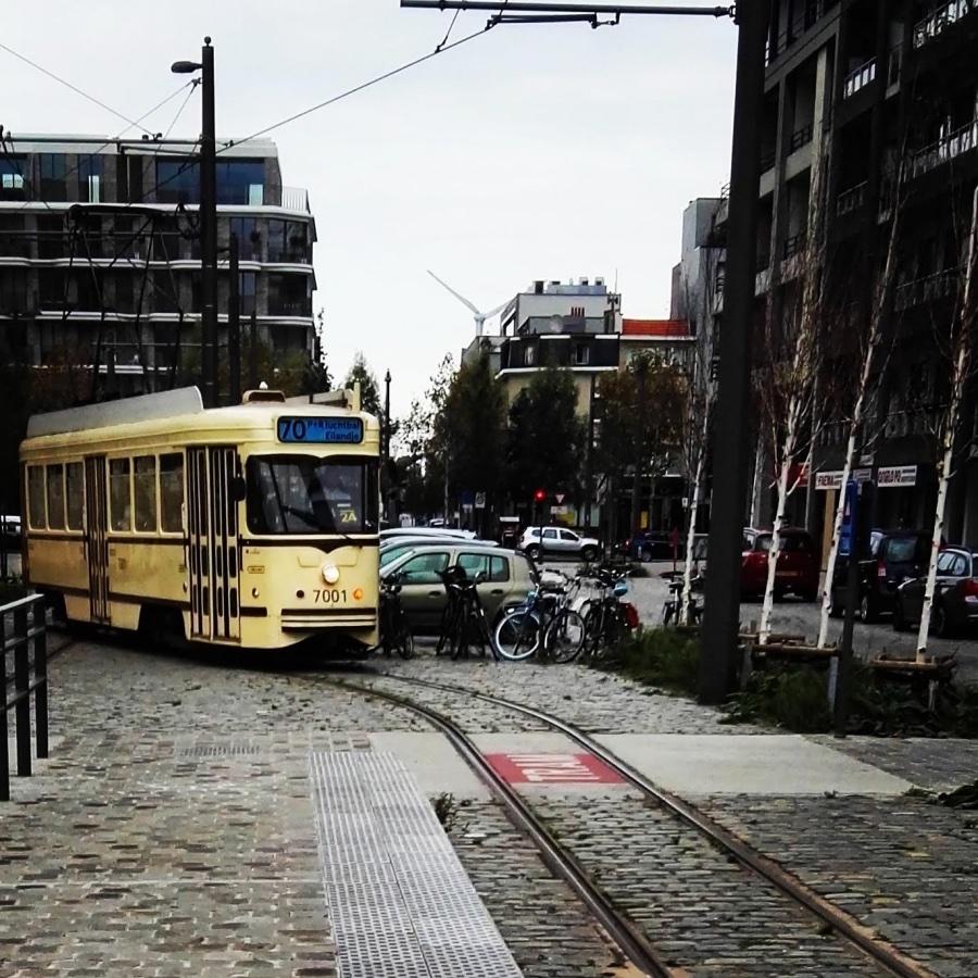 Antwerpen, tramlijn 70, tram 7001 bij het MAS
